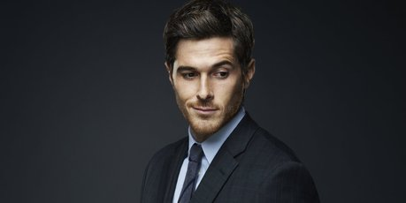 Dave Annable as Henry Martin in '666 Park Avenue'.