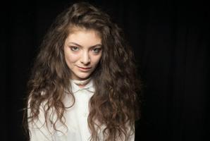 Lorde is New Zealander's top Tweeter.