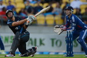 Ross Taylor of New Zealand bats during the third Twenty20 International match between New Zealand and England. Photo / Getty Images.