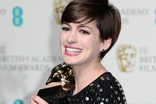 Anne Hathaway with her Bafta for best supporting actress. Photo / AP