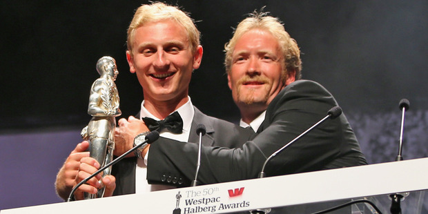 Hamish Bond and Eric Murray accept the overall Halberg Award during the 2013 Halberg Awards. Photo / Getty Images