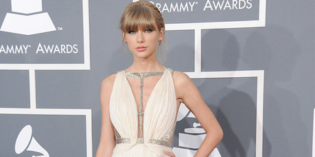 Taylor Swift arrives at the Grammy Awards in Los Angeles. Photo/AP