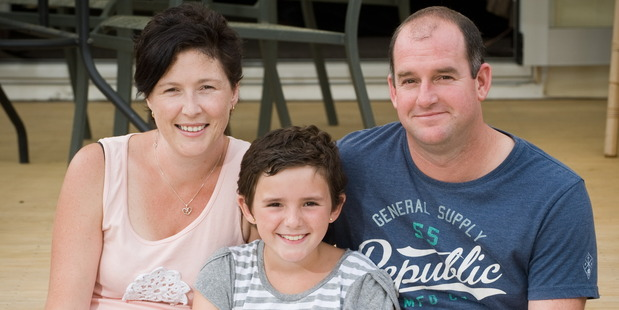 Paige Elliott with mum Dee and step-dad Jaime support a special charity. Photo / Lynda Forrest