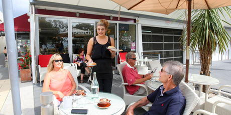 Beach Cafe in Browns Bay. Photo / Chris Gorman