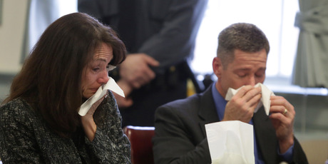 Elizabeth and Sean Canning, parents of Rachel Canning, cry during a hearing at the Morris County Courthouse. Photo / AP