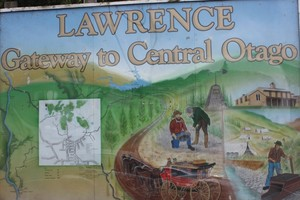 Lawrence proclaims itself the Gateway to Central Otago. Photo / Paul Rush