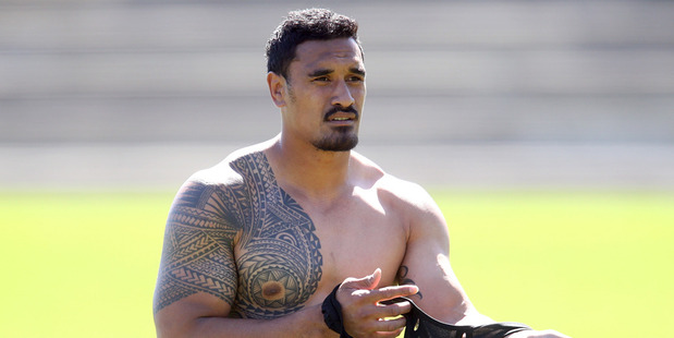 Jerome Kaino of the Blues changes his jersey during the Auckland Blues Super Rugby training session. Photo / Getty Images.
