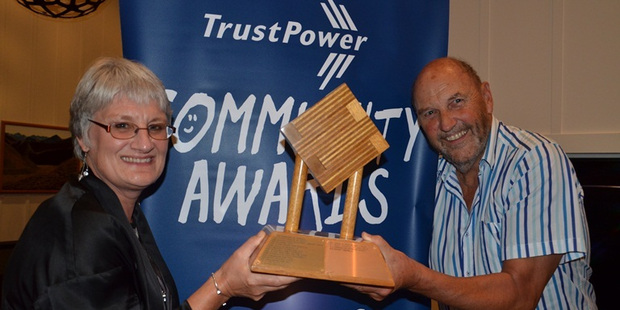 Katikati Theatre's Julie Thomas and Dave Woodhouse with the Supreme Award at the 2013 Trustpower Western Bay of Plenty Community Awards last April