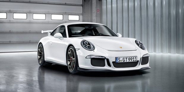 Porsche's 911 GT3s made this year will have engines replaced after an internal fault was discovered.