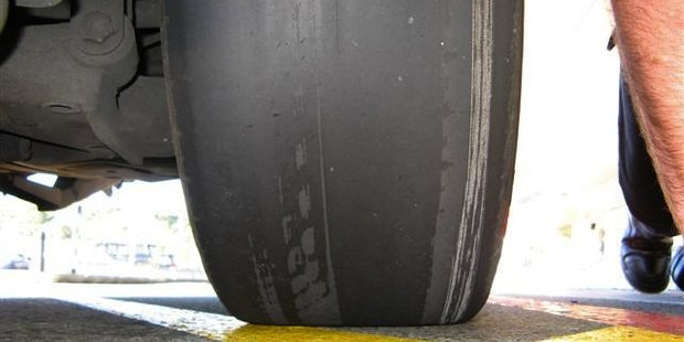 Parking wardens being able to fine for bald tyres is causing a big stir in the Bay.