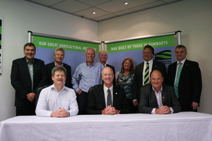 Federated Farmers signs a MOU with Forestry in Wellington. The deal should ensure 'good neighbourly relations'.