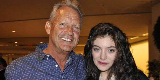 Kansas City Royals baseball player George Brett and Lorde. Photo/Twitter.