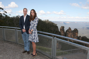 Britain's Prince William and his wife, Kate, the Duchess of Cambridge, pose in front of the Three Sisters rock formation in the Blue Mountains. Photo / AP