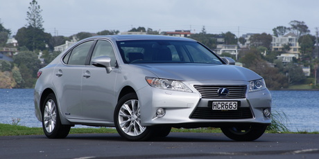 Lexus ES hybrid. Photo / David Linklater