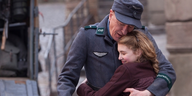 Geoffrey Rush, as Hans Hubermann, and Sophie Nelisse, as Liesel, formed a strong bond on the set of The Book Thief.