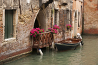 Taking a Venetian rowing lesson can be a much more cost-effective option than riding in a gondola for the same amount of time. Photo / Thinkstock