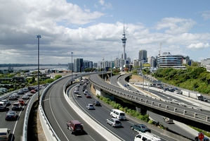 Rush hour traffic heading in to Auckland CBD. File photo / NZ Herald