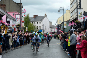 The pack pedals during the 187-kilometre third stage of the Giro d'Italia from Armagh, to Dublin, Ireland. A huge bomb was found in Dublin just hours before cyclists passed through. Photo / AP