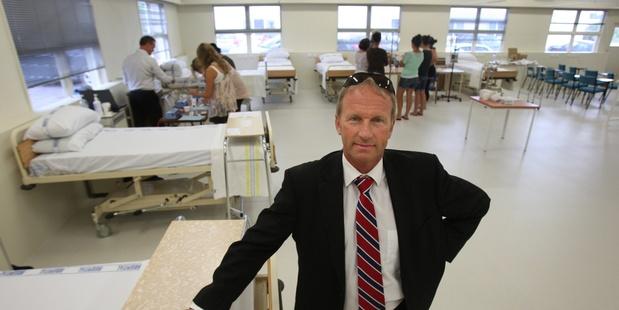 Dr Peter Gilling