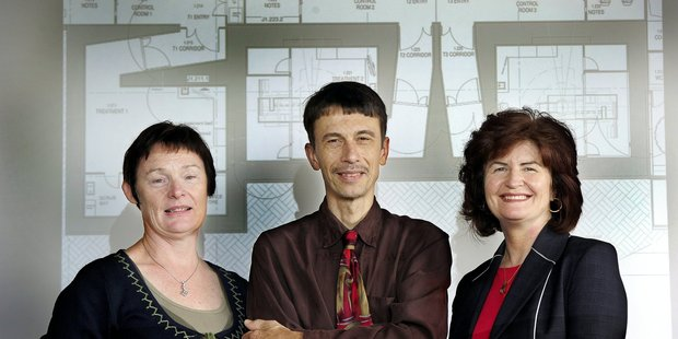 KKC operations manager and lead radiation therapist Shelley Donnell, chief physicist Dr. Albert Zacarias and medical director Dr. Leanne Tyrie