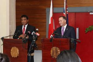 John Key with Lord Tu'ivakano, prime minister of Tonga. Photo / Claire Trevett