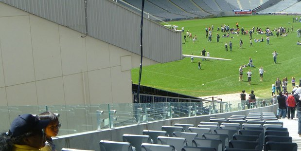 Eden Park has 740 restricted view seats between the seating bowl and fifth level.