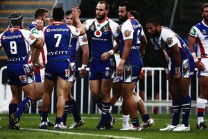 Simon Mannering of the Warriors celebrates after scoring a try during the round 12 NRL match between the New Zealand Warriors and the Newcastle Knights. Photo / Getty Images.