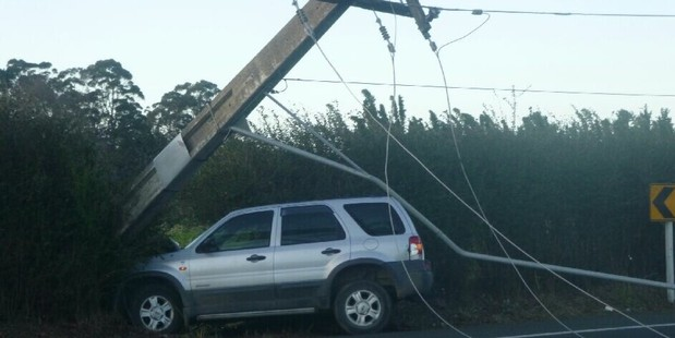 The vehicle responsible for closing State Highway 2 and knocking power out to Katikati this morning. Photo/Brendan Gibbs