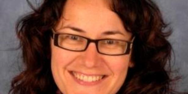 Dr Anita Bell