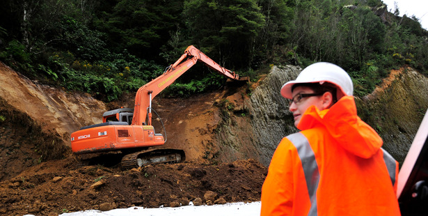Mangorewa Gorge between Tauranga and Rotorua was closed yesterday to allow for works to be carried out to reduce the risk of slips in the area. Photo/George Novak