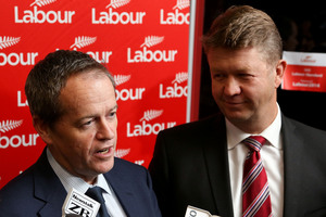 Australian Labor Party leader Bill Shorten (L) with Labour Party leader David Cunliffe. Photo / Getty Images