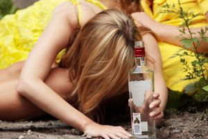 Teens who experience stressful life events are at greater risk for binge-drinking. Photo / 123RF
