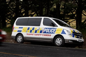 Police speed camera van on SH1.