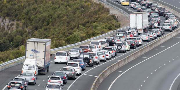Queues of holiday makers near Puhoi. Photo / Greg Bowker