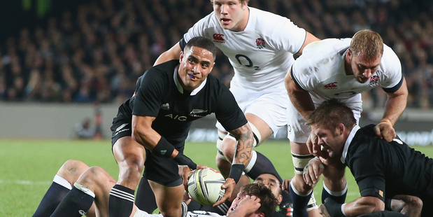 Aaron Smith has re-signed with the New Zealand Rugby Union through to 2016. Photo / Getty Images