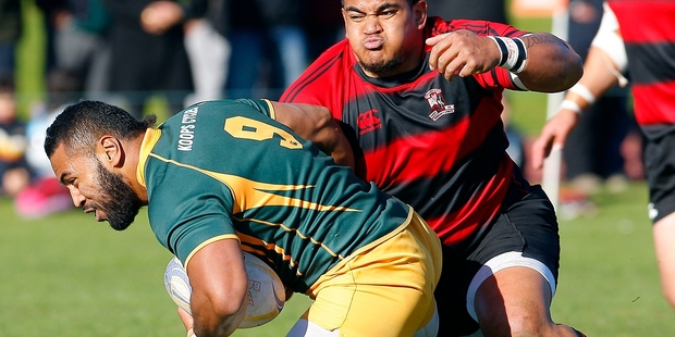 LARGE LINE-UP: Whakarewarewa's Siegfried Fisiihoi (left) and Mount Maunganui halfback Samisoni Fisilau have been named in a large Steamers squad to play the Hawke's Bay Saracens today.PHOTO/ANDREW WARNER 260714AW14BOP