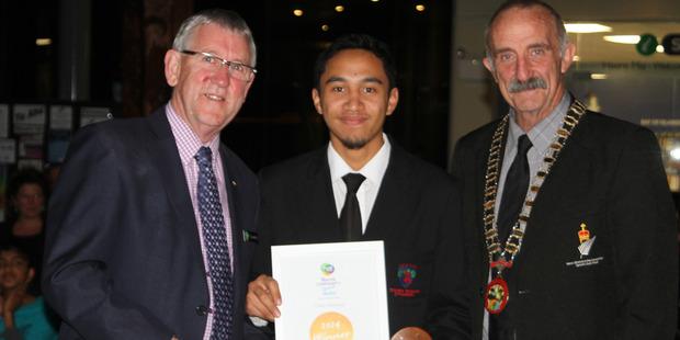 Youth Spirit winner Cody Makaua with Trustpower's Graeme Purches and Mayor John Carter. PHOTO / PETER JACKSON