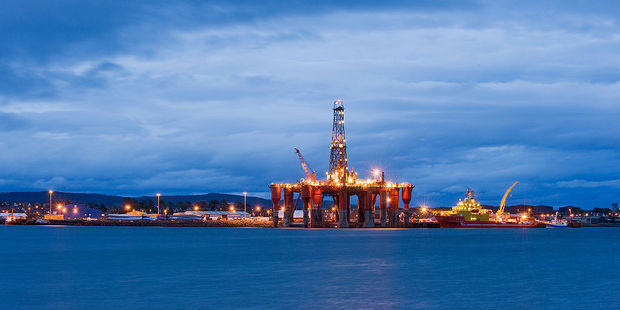 Oil rig moored in Scotland. Attempts by Providence Resources to emulate Scotland's North Sea drilling success in Ireland are stalled causing the company's share price to plummet. Photo / Wikipedia - Berardo62