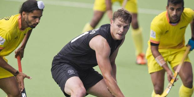 New Zealand's Steve Edwards in action during the men's hockey semifinal between New Zealand and India. Photo / Greg Bowker