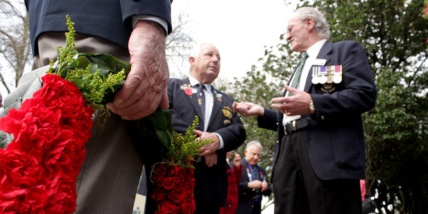 Tauranga vets gather to lay wreaths in honour of WWI fallen. Photo/Ruth Keber