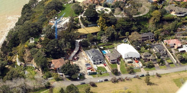 Graeme Hart owns multiple properties in St Heliers.