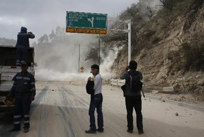 The tremor caused landslides on the Pan-American highway near Quito. Photo / AP