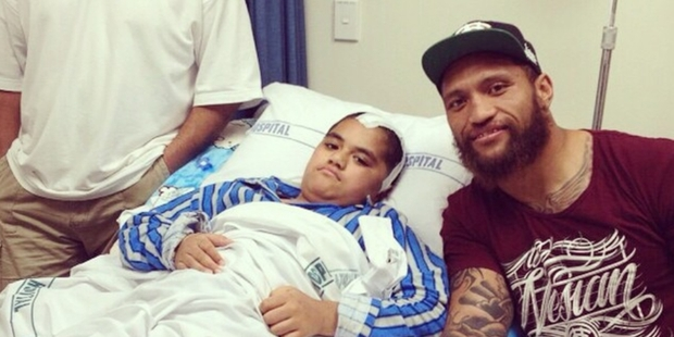 Manu Vatuvei's Instagram photo of his bedside visit to stabbing victim Mateaki Lolohea at Starship Children's Hospital.