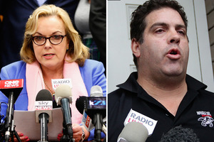 Minister Judith Collins kept in frequent contact with Whale Oil blogger Cameron Slater.