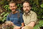 Wild Things presenter Dominic Monaghan with fellow LOTR actor Billy Boyd pose with a tuatara  on the show.