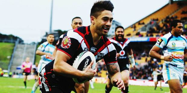 Shaun Johnson scores a try in the Warriors 42-0 over the Gold Coast Titans at Mt Smart Stadium. Photo / Getty Images
