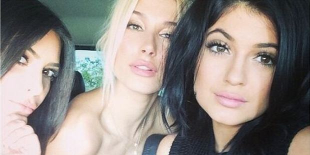 Kim Kardashian (l) is one of the most prolific selfie posters online, her sister Kylie Jenner (r) isn't far behind. Photo / Instagram