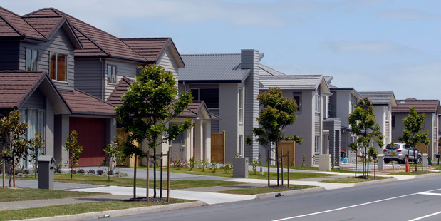 Amateur property investors are getting lured by schemes that promise easy money and are taking out hefty loans. Photo / Michael Craig