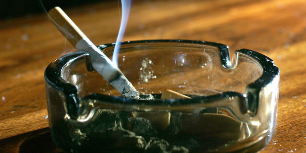 350 New Zealanders are estimated to die each year due to of exposure to second-hand smoke.