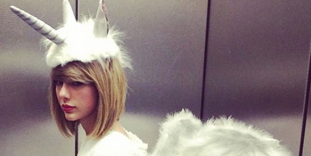 Taylor Swift all in white for Halloween. Photo / Twitter